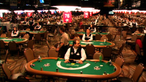 WSOP-Dealers-Waiting